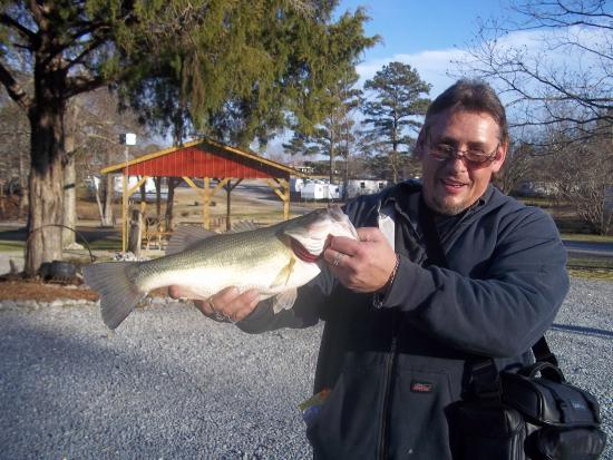 Bay Springs Country Inn & Campground: January fishing isn't bad