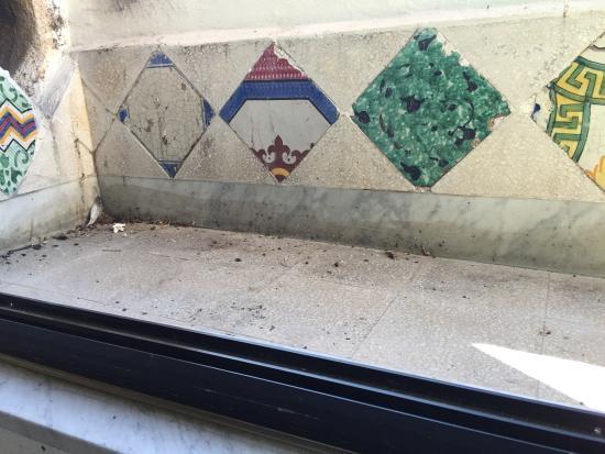 Palermo case vacanze Sant'Onofrio e Zisa: Posto del tutto scadente sporchissimo, le foto sul sito diverse dalla realtà, difficile da trova