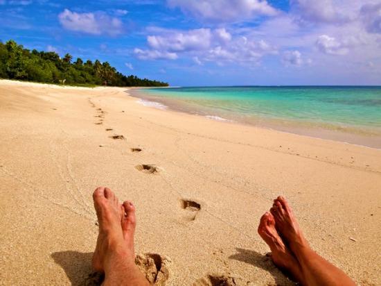 Serenity Beaches Resort: Beach walk.
