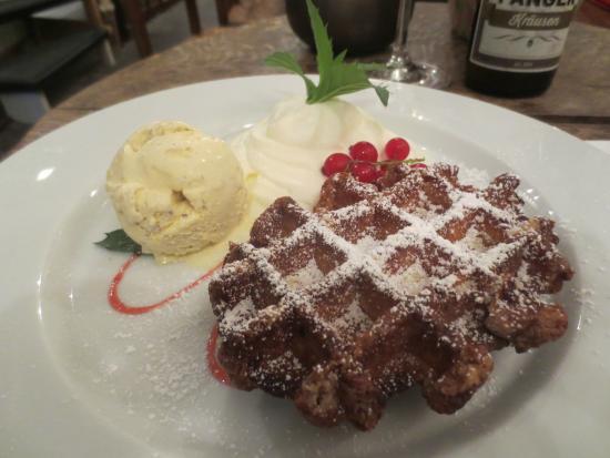 Teestuebchen im Schnoor: Belgian Waffle