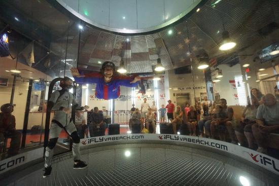 Virginia Beach Indoor Skydiving For First Time Flyers