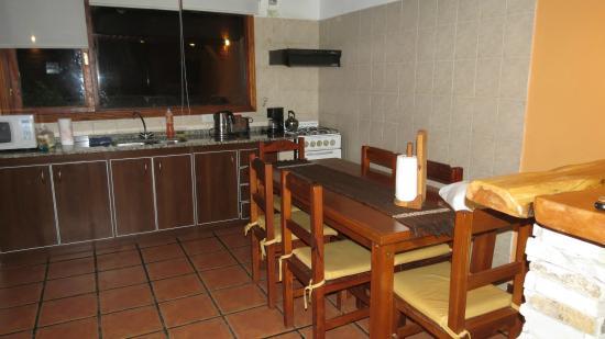 Raices Patagonicas : Cocina Comedor