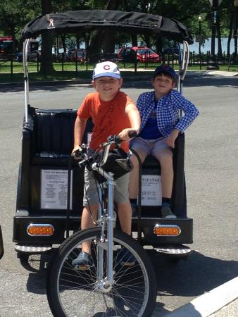 DC Pedicab: Great photos of your kids on a tour