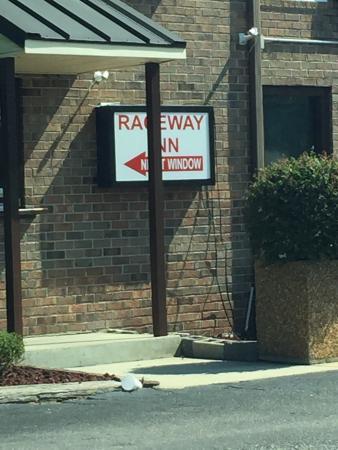 Raceway Inn: photo0.jpg