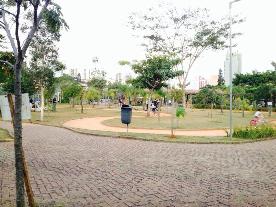 ‪Parque Cordeiro Martin Luther King‬