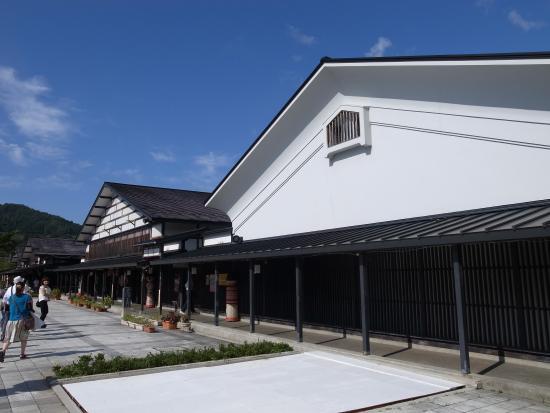 Tsugaru Traditional Crafts Museum : 地元の民家の外観を生かした作りです