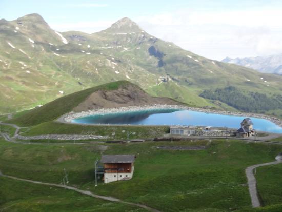 Grindelwald, Suíça: Belíssimo lago!