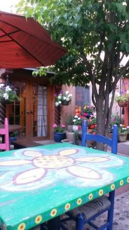 La Dona Luz Inn, An Historic Bed & Breakfast: Patio dining