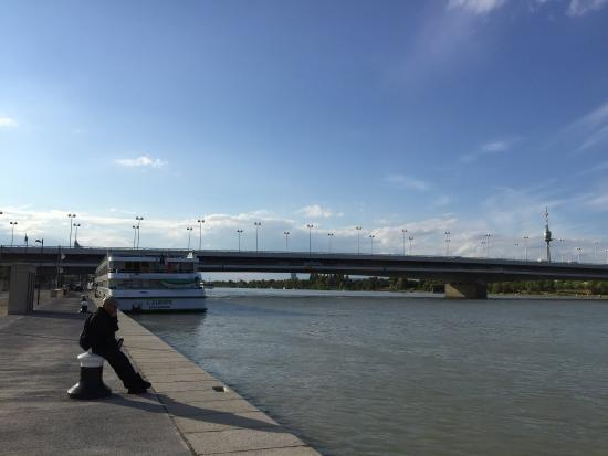 Attraction Review g d Reviews Danube Canal Donau Kanal Vienna.