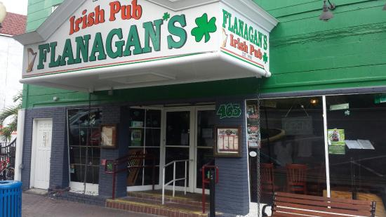 ‪Flanagan's Irish Pub‬