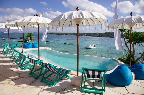 Le Pirate Beach Club Hotel Nusa Ceningan Pool