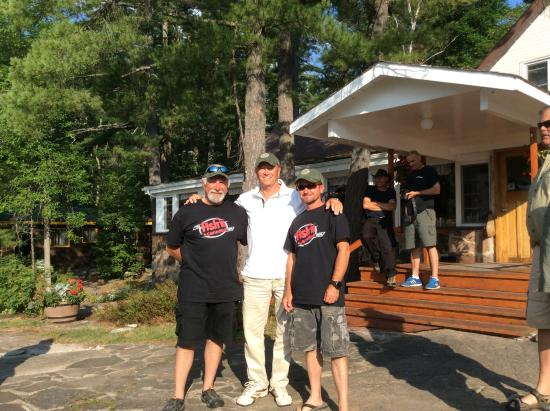 Monetville, Канада: Our hosts for the week - Angelo and Pete from Fishing Canada