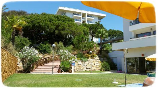 Holiday Village Algarve Balaia: VIEW SHOWING BRIDGE FROM BLOCK 2