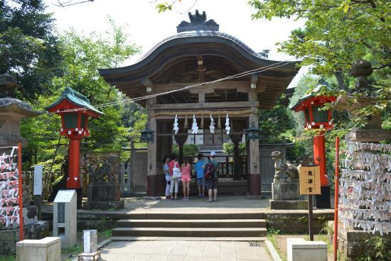 Enoshima Shrine Okutsumiya