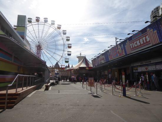 Luna park 2 picture of luna park sydney milsons point for Puerta 9 luna park