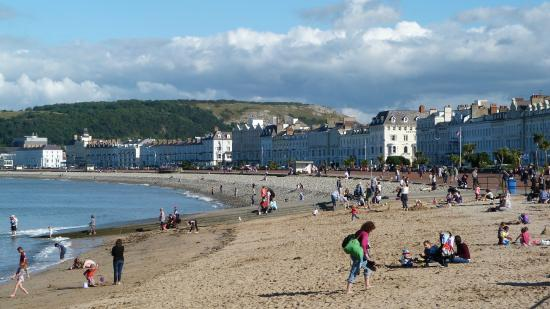 Chilterns: The beach, Llandudno.