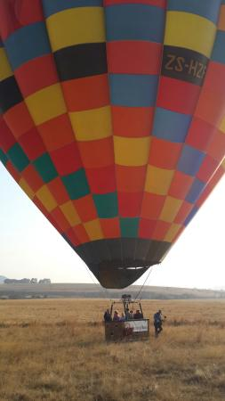 Drakensberg Ballooning: Bucketlist list Experience!  Dave and Danie our hosts were amazing! +5 STAR Service! Thanx guys