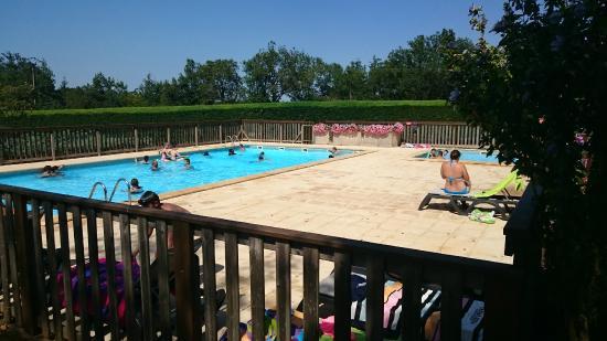 Camping La Nouvelle Croze : La grande piscine