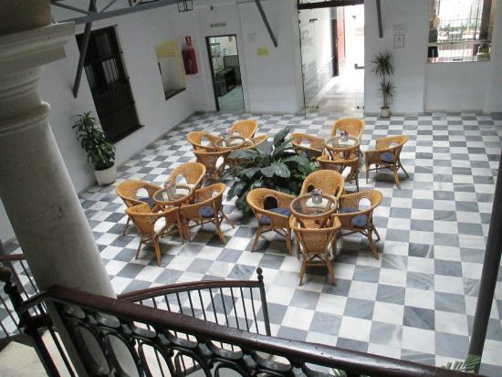 Apartamentos Larga 70: The patio seen from the stairs