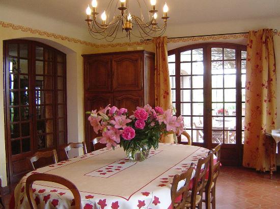 b b la bastide de messine brignoles france voir les tarifs 97 avis et 72 photos. Black Bedroom Furniture Sets. Home Design Ideas