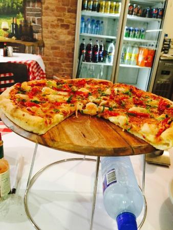 La Roma Pizza Cafe