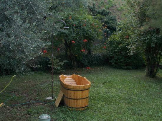 Badewanne Im Garten.Badewanne Im Garten Picture Of Il Bogno B B Lierna