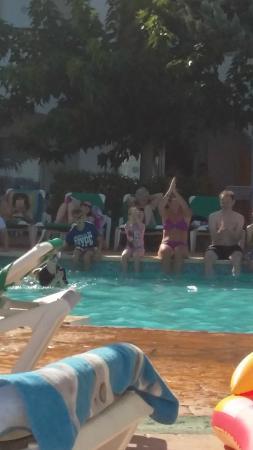 Hotel Marina Parc: Pool party