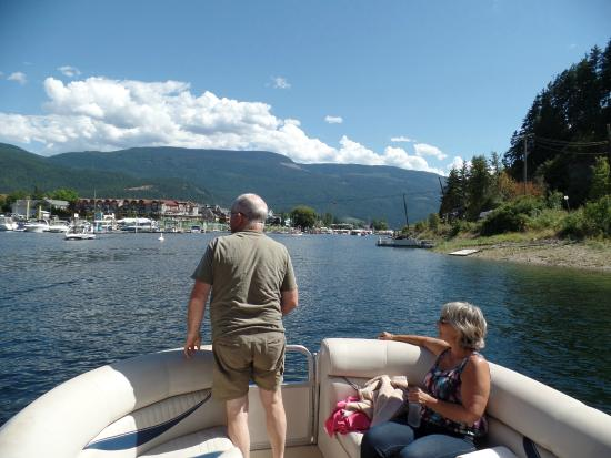 Destination Spa Bed & Breakfast: Een zondag op Shuswap Lake