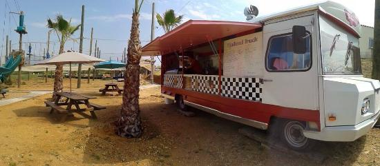 Interieur picture of tigataud food truck magalas for Go kart interieur