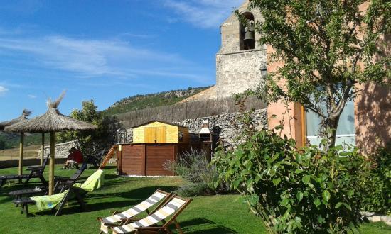 Alboreca, España: Piscina y solarium