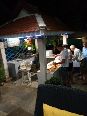 Fi Kitchen & Bar: Buffet