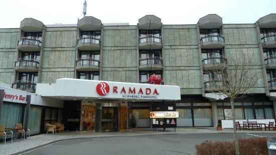 Hoteleingang bild von ramada n rnberg parkhotel for Nurnberg hotel