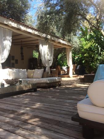 Jade Residence: Relaxing