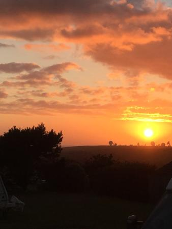 Pentire Haven Holiday Park: This was the sunset on our last night at Pentire.
