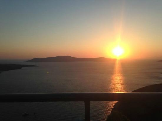 Villa Renos: A front row seat to the sunset every evening!