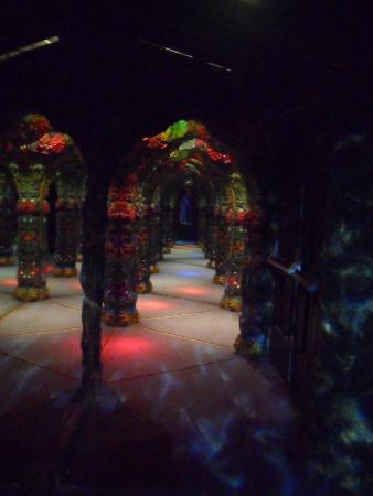 mirror maze - Picture of National Sea Life Centre, Birmingham ...