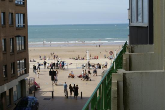 Royal Astor Hotel : View of beach from hotel balcony