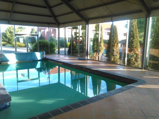 Ballarat Colonial Motor Inn and Serviced Apartments: Ballarat Colonial Motor Inn:  Swiming Pool is Nice & Clean [July 2015]