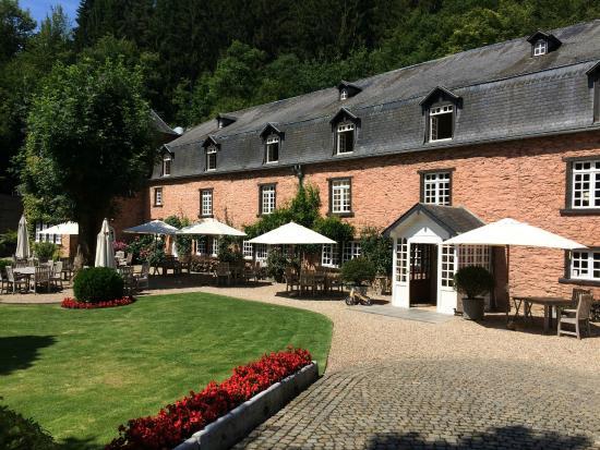Noirefontaine, Belgia: The exterior