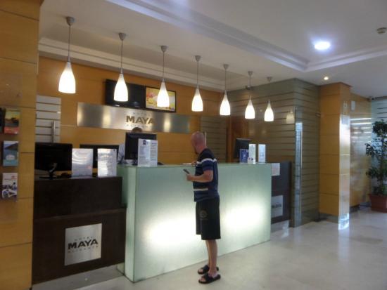 Hotel Maya Alicante: reception