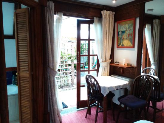 The Brufords Bed and Breakfast: View to garden from room 3