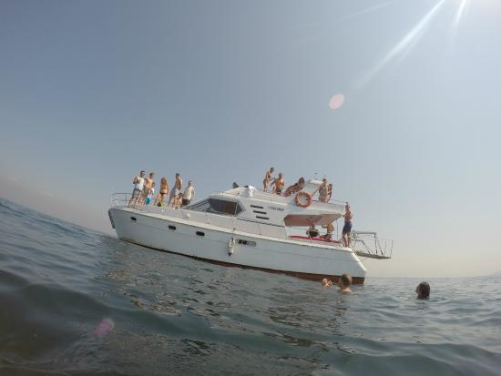Bahaus Guesthouse: Boat trip