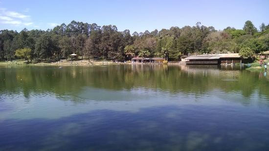 Mairinque, SP: Paisagens do lago.