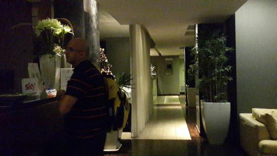 Glam Hotel: לובי