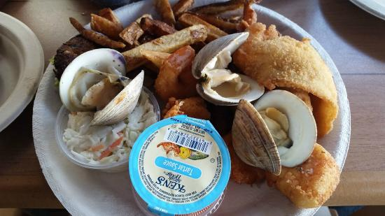 Shore Fresh Seafood Market & Restaurant: Fried Seafood Combo