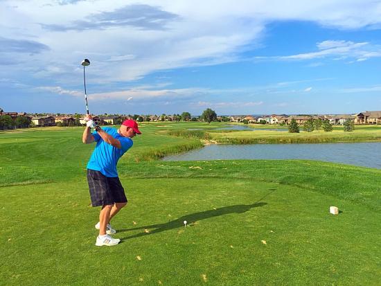 Highland Meadows Golf Course: #1 tee shot, par 5