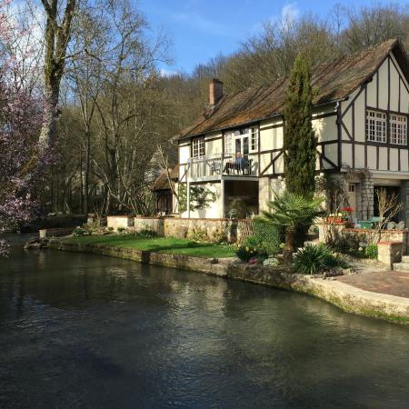 Le Moulin des Charmes : The Cottage - first floor with lovely verandah overlooking water