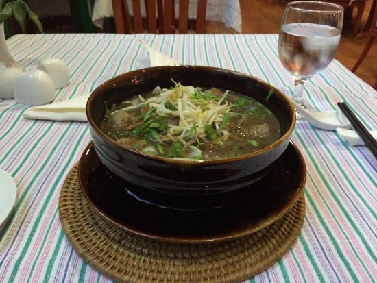 MiCasa Hotel Apartments Yangon Managed by AccorHotels : Beef noodle