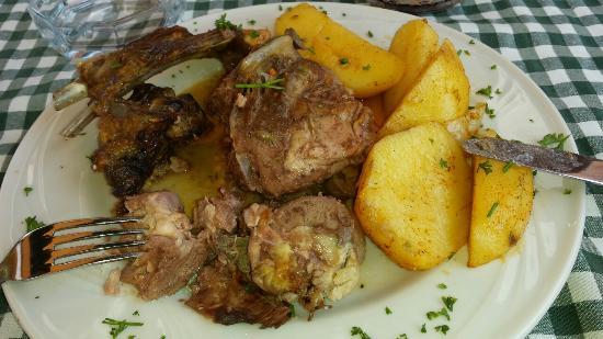 Restoran Pivnica: 300 гр барашка