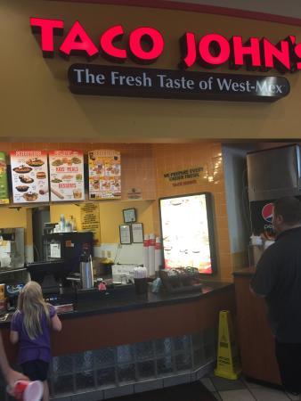 Avoca, IA: Taco John's